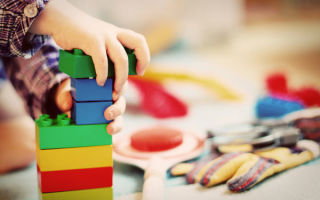 Развитие ребенка в 10 месяцев — что умеет малыш?