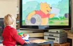 Можно ли новорожденным смотреть телевизор — вредно или нет?