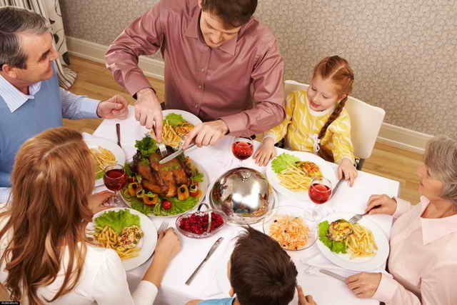 Как правильно организовать поход в гости с ребенком