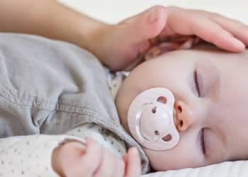 Почему у трехмесячного ребенка текут слюни
