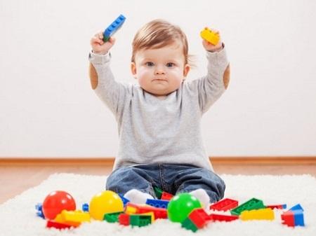 Развитие ребенка в 10 месяцев - что умеет малыш?