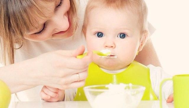 Творог для детей до года: со скольки месяцев можно давать ребенку творог