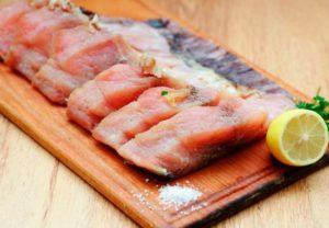 Можно ли креветки при грудном вскармливании, кальмары и морепродукты