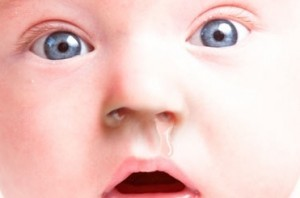 У ребенка режутся зубы: что делать: чем обезболить: чем помочь