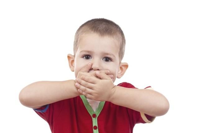 Во сколько дети начинают говорить, как учить ребенка говорить первые слова