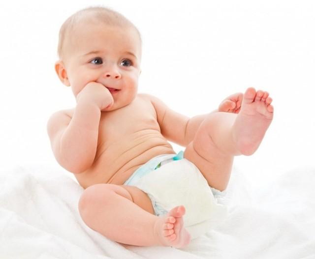 Во сколько ребенок начинает сидеть, как научить ребенка садиться самостоятельно