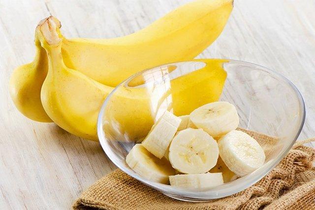 Со скольки месяцев можно давать ребенку банан