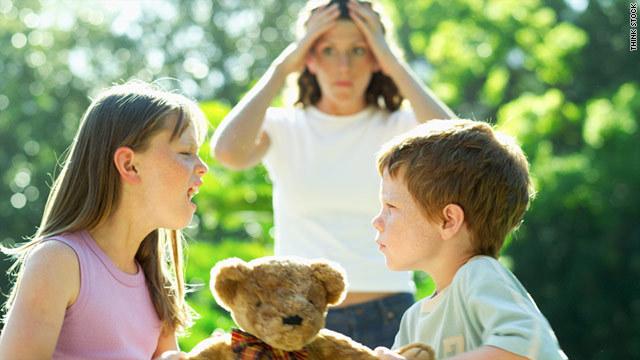 Дети дерутся и ссорятся в семье: что делать