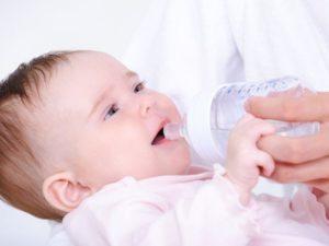 Сколько воды можно и нужно давать новорожденному
