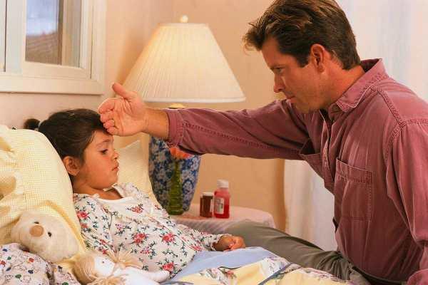 Растирание при температуре у ребенка водкой, уксусом