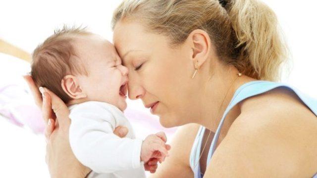 Лечение коликов у новорожденных в домашних условиях: что делать, если у грудничка газики и колики