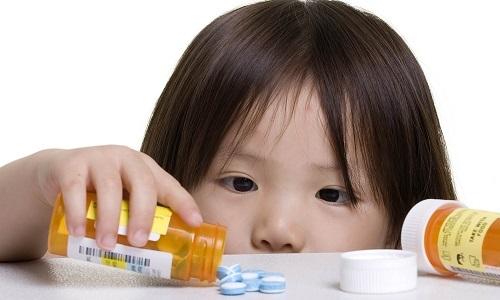 У ребенка герпес на губе: чем лечить