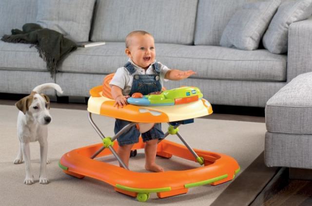 Детские ходунки - с какого возраста можно использовать?