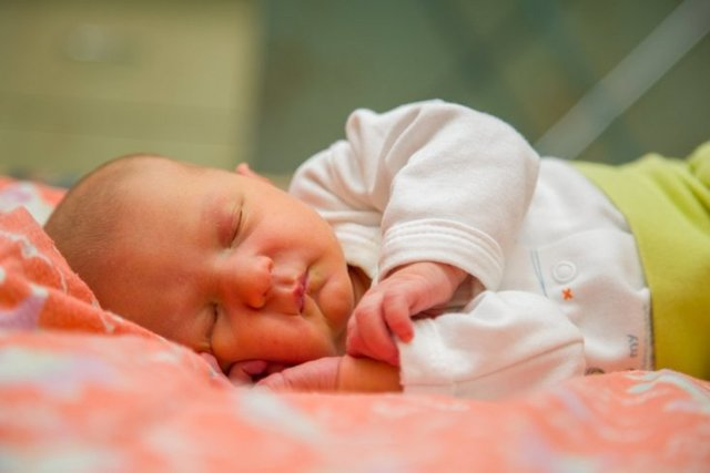 Физиологическая желтуха у новорожденных, виды и причины возникновения