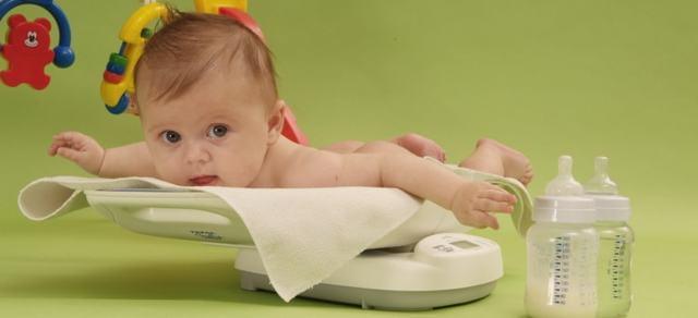 Прибавка в весе у грудничков по месяцам: нормы: отклонения