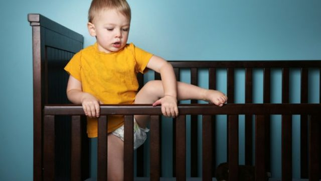 Ребенок ударился головой: Что делать: Последствия