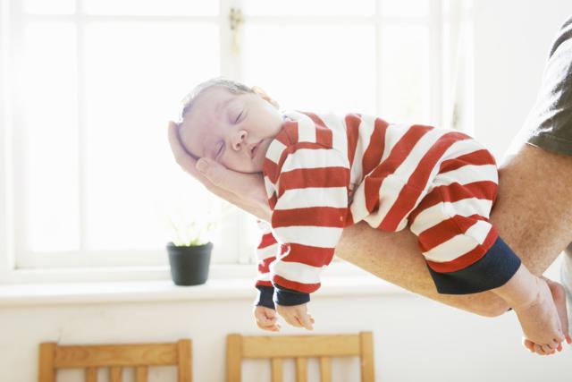 Малыш в 8 месяцев плохо спит ночью - что делать?