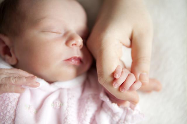 Состав грудного молока женщины: таблицы