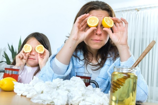Как не заразить ребенка, если мама болеет ОРВИ, гриппом, ангиной