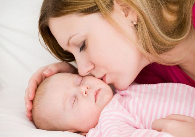 Как успокоить новорожденного: советы для родителей