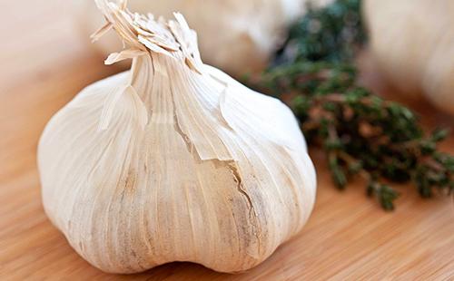 Можно ли лук и чеснок при грудном вскармливании