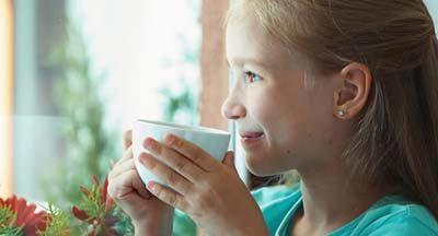 Когда можно давать ребенку чай: правила, советы, рекомендации