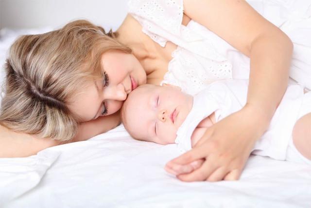 Грудной ребенок плохо спит ночью и часто просыпается