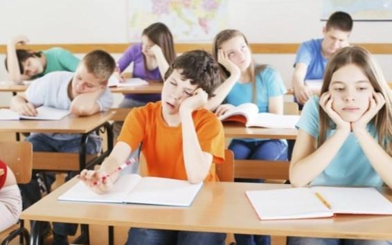 Ребенок устает в школе: что делать