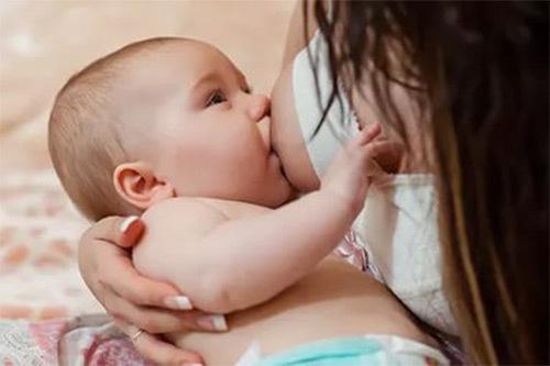 Можно ли селедку при грудном вскармливании: слабосоленую, под шубой