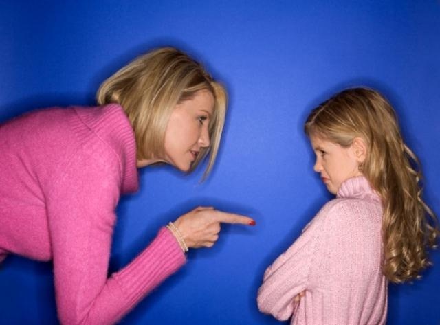 Как отучить ребенка сосать свой палец