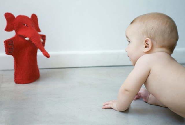 Развитие ребенка в 7 месяцев: питание, навыки и развивающие игры