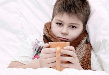 Болит горло у ребенка: чем лечить