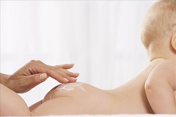 Лечим пеленочный дерматит у новорожденных